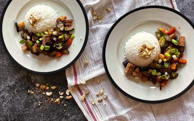 Thailändisches Gemüse süß-sauer mit Tofu